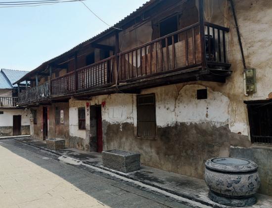 ·位于江西省瑞金市上湖洞巷的赖家老宅。(本刊记者 田亮 / 摄)