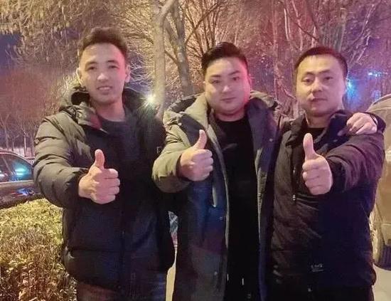杨玉法、寻兴波和韦延杰(从左往右)