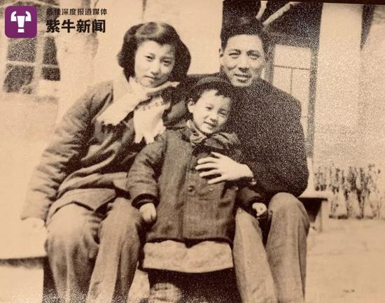 方励与父母亲的旧照