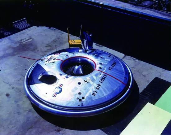 """""""阿芙罗飞车""""的飞行器样机"""