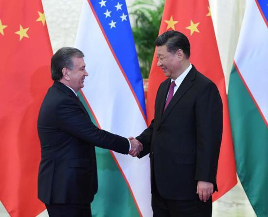 习大大会见乌兹别克斯坦总统米尔济约耶夫