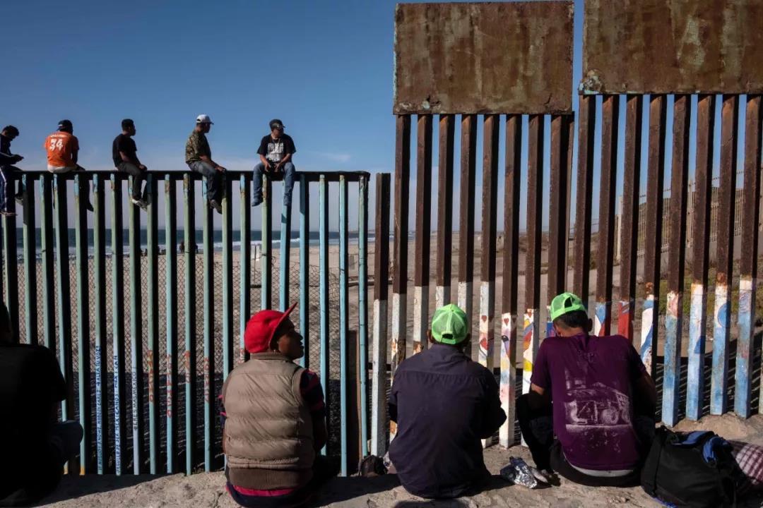 △美墨边境围墙