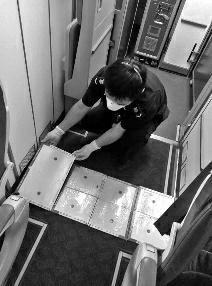 泰���w西安航班上有老鼠 �z疫��T花半小�r捕�@