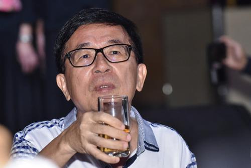 陈水扁参加一个募款餐会。