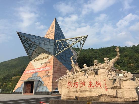 新圩阻击战是湘江战役三大阻击战的首战,红军以牺牲近4000人的代价,阻击了13000多人的国民党军队进攻,从而确保中央红军顺利渡过湘江 本文图均为 澎湃新闻记者 陈绪厚 摄