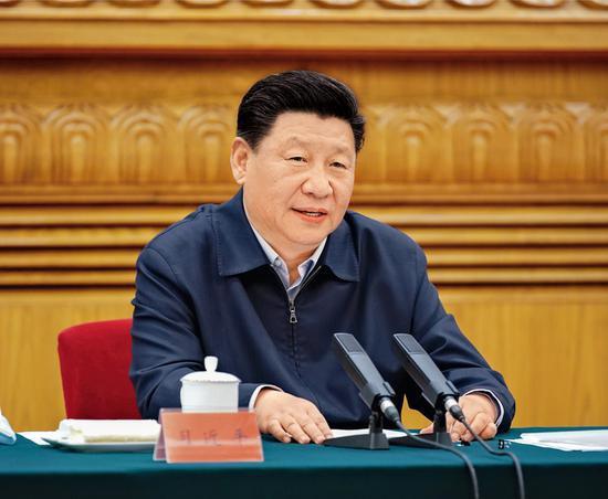 2020年6月2日,中共中央总书记、国家主席、中央军委主席习近平在北京主持召开专家学者座谈会并发表重要讲话。 新华社记者 姚大伟/摄