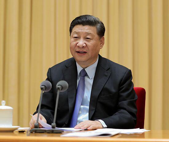 2018年9月10日,全国教育大会在北京召开。中共中央总书记、国家主席、中央军委主席习近平出席会议并发表重要讲话,代表党中央向全国广大教师和教育工作者致以节日的热烈祝贺和诚挚问候。新华社记者 王晔摄
