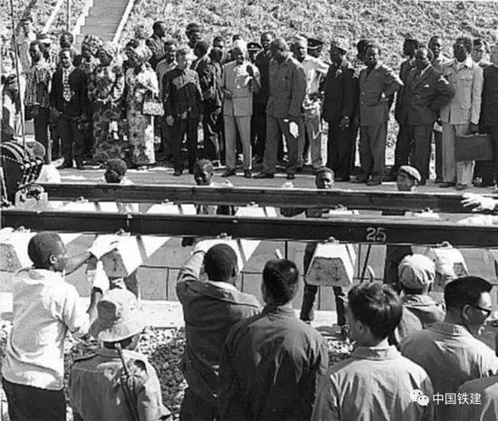 坦赞铁路全线接轨