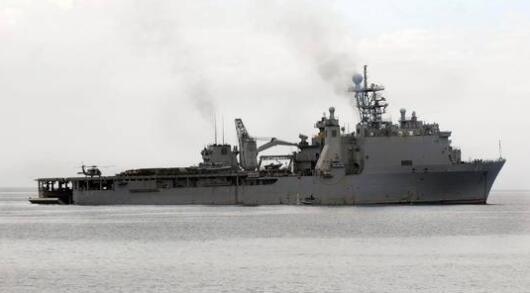 美国再向黑海部署登陆舰。(图源:路透社)