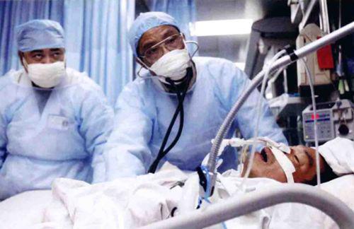 非典时期,钟南山救治病人