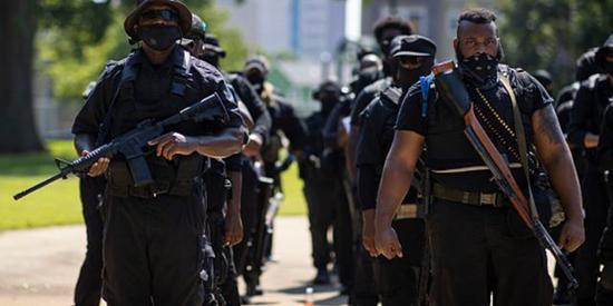 黑人民兵组织NFAC(图源:Getty)