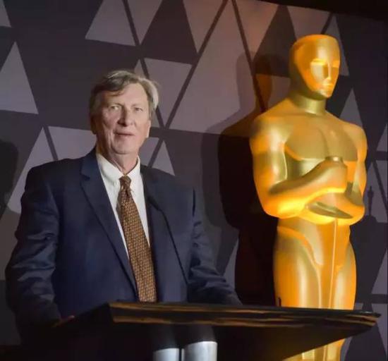 美国电影艺术与科学学院主席约翰·贝利在2018年奥斯卡颁奖典礼上。图片来源 美国《VOX》杂志网站