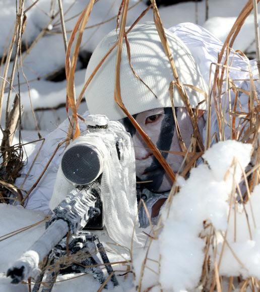 资料图:韩军冬季战术训练(韩联社)