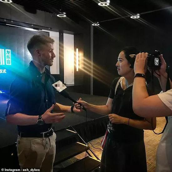 ▲小戴接受中国媒体采访。(小戴社交媒体账号)