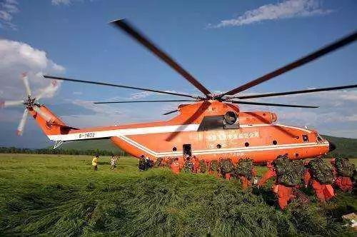 ▲中国民间租用的米-26TS重型直升机
