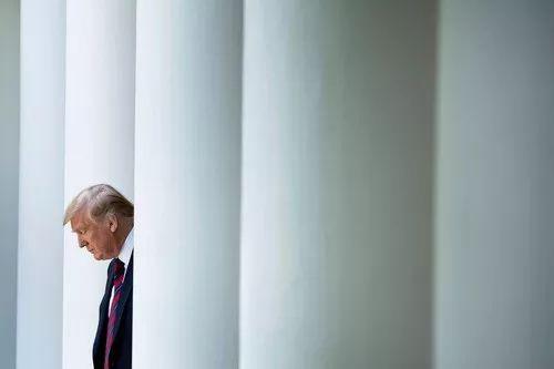 5月16日,在美国华盛顿白宫,美国总统特朗普准备向外界宣布新的移民制度改革计划。新华社/法新