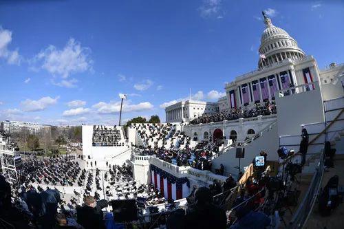 1月20日,美国第46任总统就职典礼在首都华盛顿国会山举行。新华社记者刘杰摄
