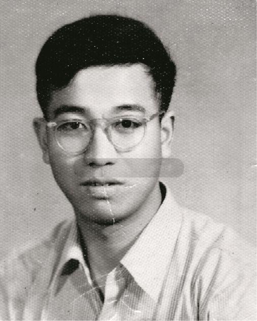 在中国人民大学哲学研究班读书期间的胡福明。供图/胡福明