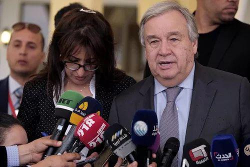 2019年4月5日,联合国秘书长古特雷斯在班加西举行新闻发布会。(路透)