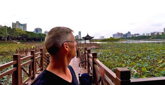 Gweilo镜头下的南湖公园(视频截图)