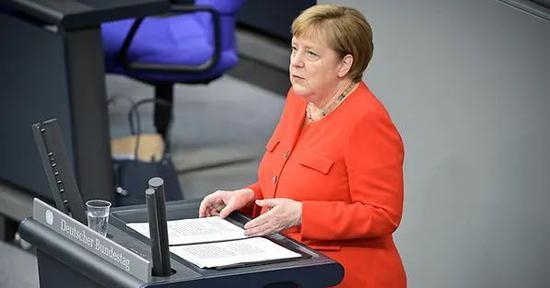 6月18日,默克尔公布欧盟下半年工作重点(图:欧新社)