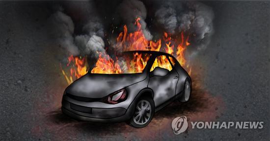 驻韩美军汽车行驶中突然起火 司机仓促逃生