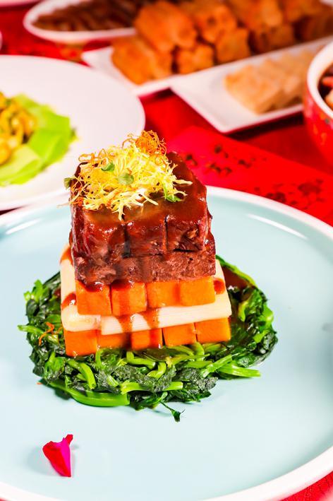 香醇慢烧牛肋排。图片来源/中国大饭店供图