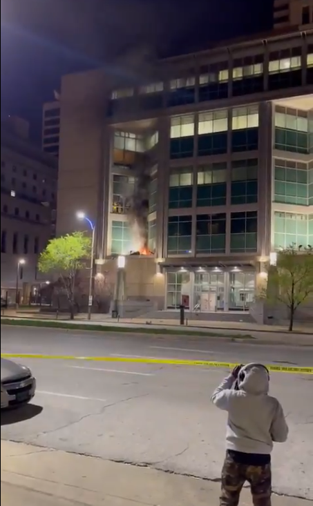 美国一监狱发生骚乱。(视频截图)