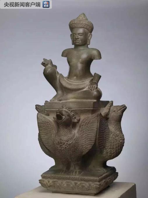 △这是正在中国国家博物馆展出的石雕伐楼拿神像(10世纪后半叶)。它是柬埔寨国家博物馆的藏品。