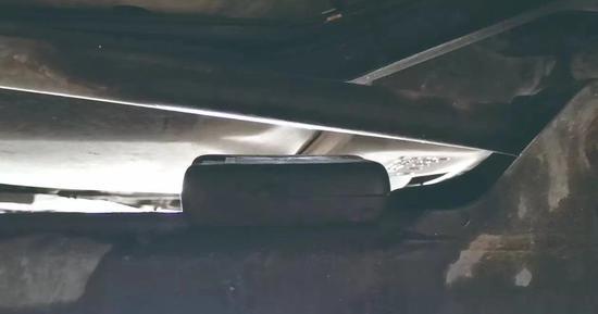 执法车辆底部被发现装有GPS跟踪器