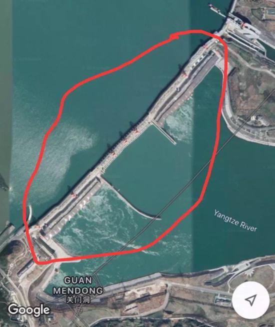 网传的三峡大坝扭曲变形卫星影像