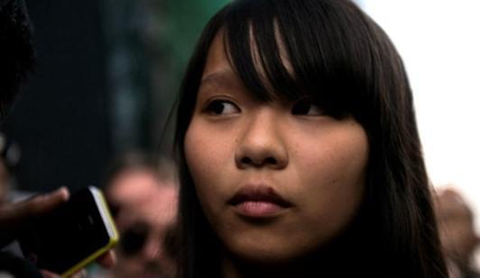 港媒:涉嫌违反香港国安法 乱港分子周庭被捕