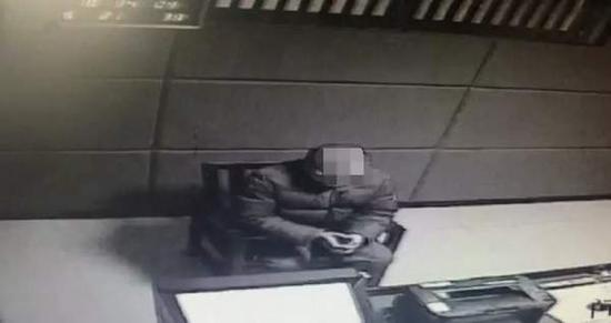 目前,嫌疑人徐某已被依法处以刑事强制措施。