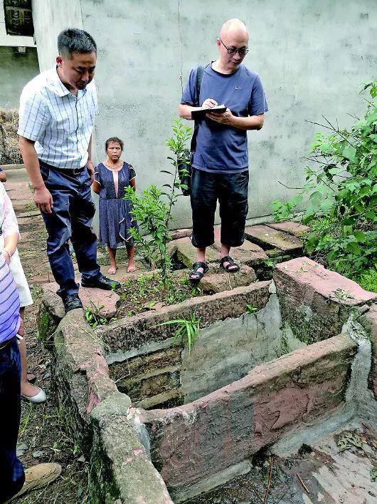 四川中江县上世纪70年代的沼气池,当时吸引国内外数万人参观。本报记者蒋作平摄