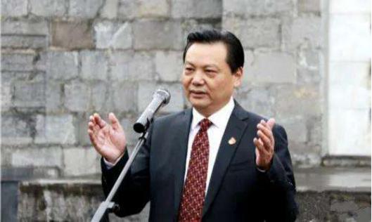 独山县前任书记潘志立