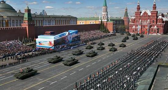 俄罗斯庆祝卫国战争胜利74周年红场阅兵将于5月9日举行 资料图 (图源:《红星报》)