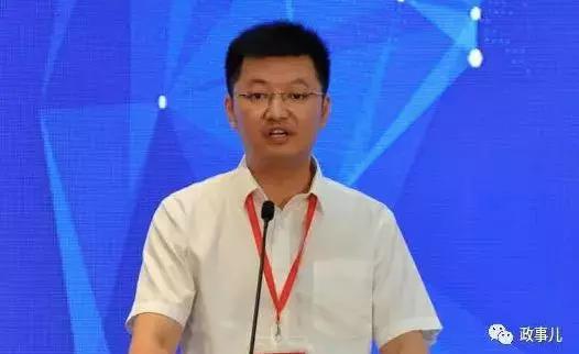另有新闻表现,姚蔚还挂职四川省地级市宜宾市委常委、副市长。