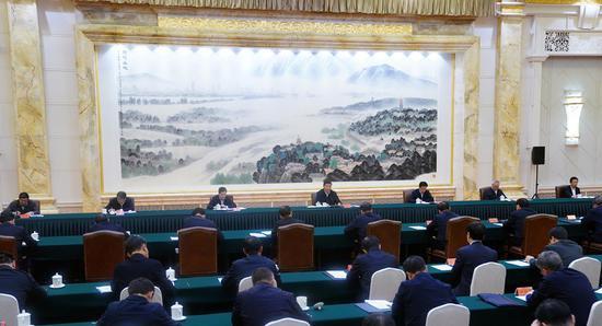 11月14日,中共中央总书记、***主席、中央军委主席习近平在江苏省南京市主持召开全面推动长江经济带发展座谈会并发表重要讲话。