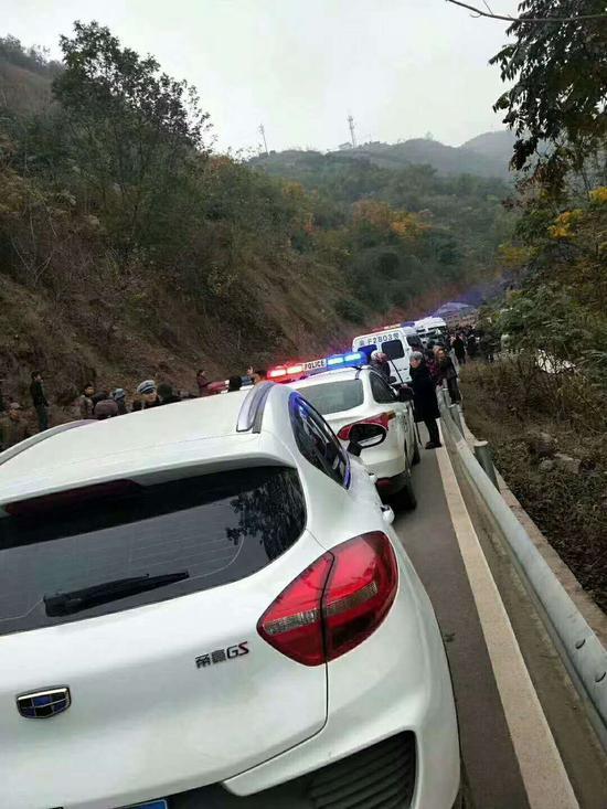 民警已在事发现场对事故进走处理。 受访者供图