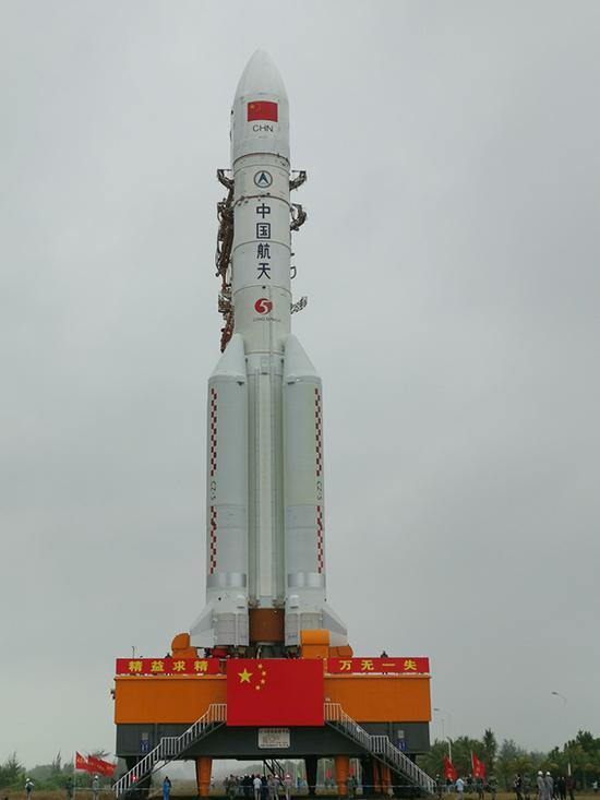 长征五号肩负着开展载人航天空间站建设、月球采样返回、火星探测等众项壮大航天工程义务