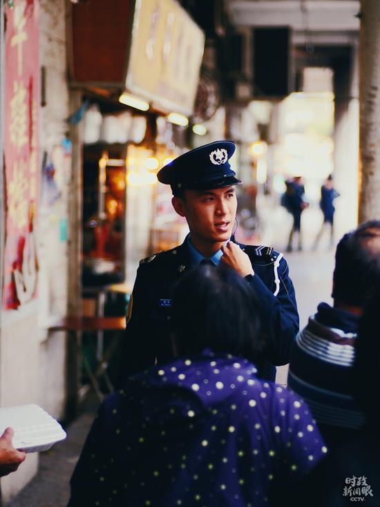 △澳门警察正在执勤。(央视记者彭汉明拍摄)