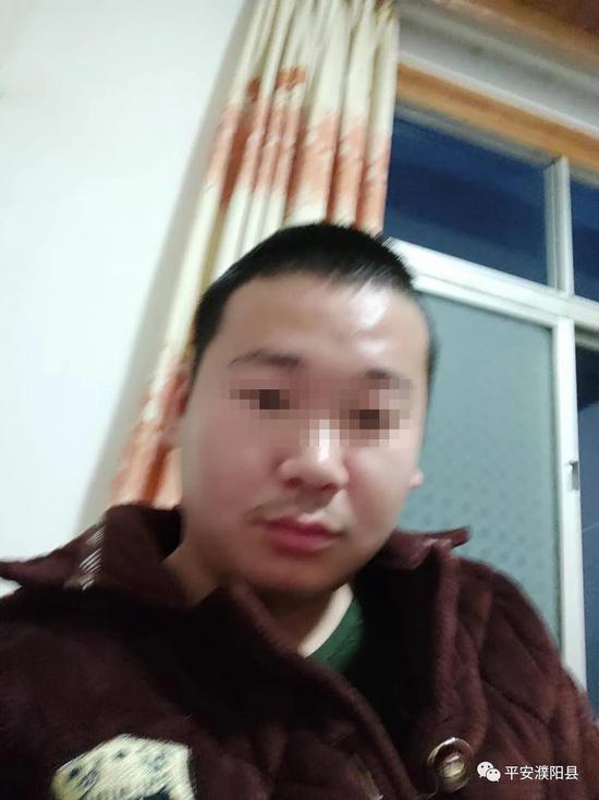 """北京一炸糕店推出""""荡秋千""""无接触售卖方式"""