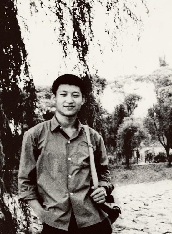 1972年,插隊回京探親時的習近平。