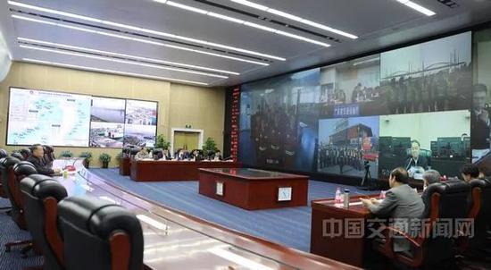 杨传堂带班值守,视频连线各地一线
