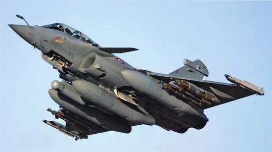 """▲印度从法国引进的""""阵风""""战斗机"""