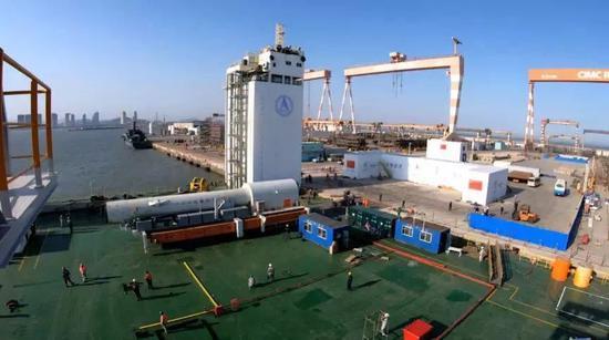 海上发射塔架