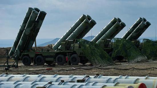 部署在叙利亚的S-400导弹发射营