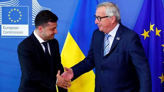 乌克兰总统泽连斯基和欧盟委员会主席让·容克(图源:今日俄罗斯)