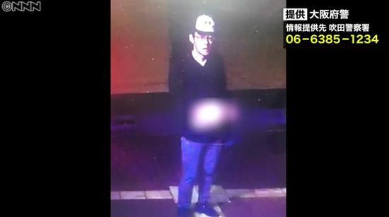 案发警亭周边的监控录像拍到的可疑男子。来源:东京新青年微信号