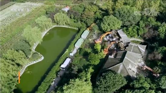 别墅拆除航拍画面 来源:央视新闻